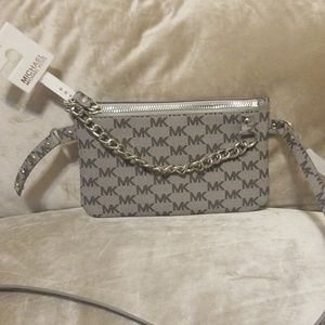 📍Michael Kors light Gray with dark gray  Belt Bag
